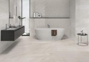 luxusná dizajnová lesklá biela sivá perleťová kúpeľňa